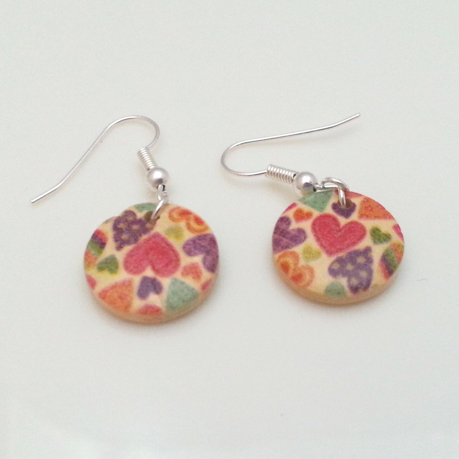 Light-Wooden-Jewellery-Earrings-Dangle-Disc-Round-Wood-Coloured-Hearts-New-400739839834