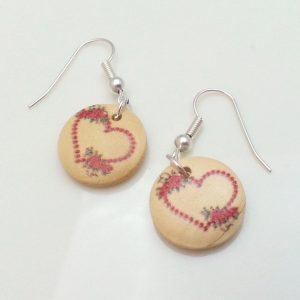 Light-Wooden-Jewellery-Earrings-Dangle-Disc-Round-Wood-Red-Hearts-Flowers-New-161361899137