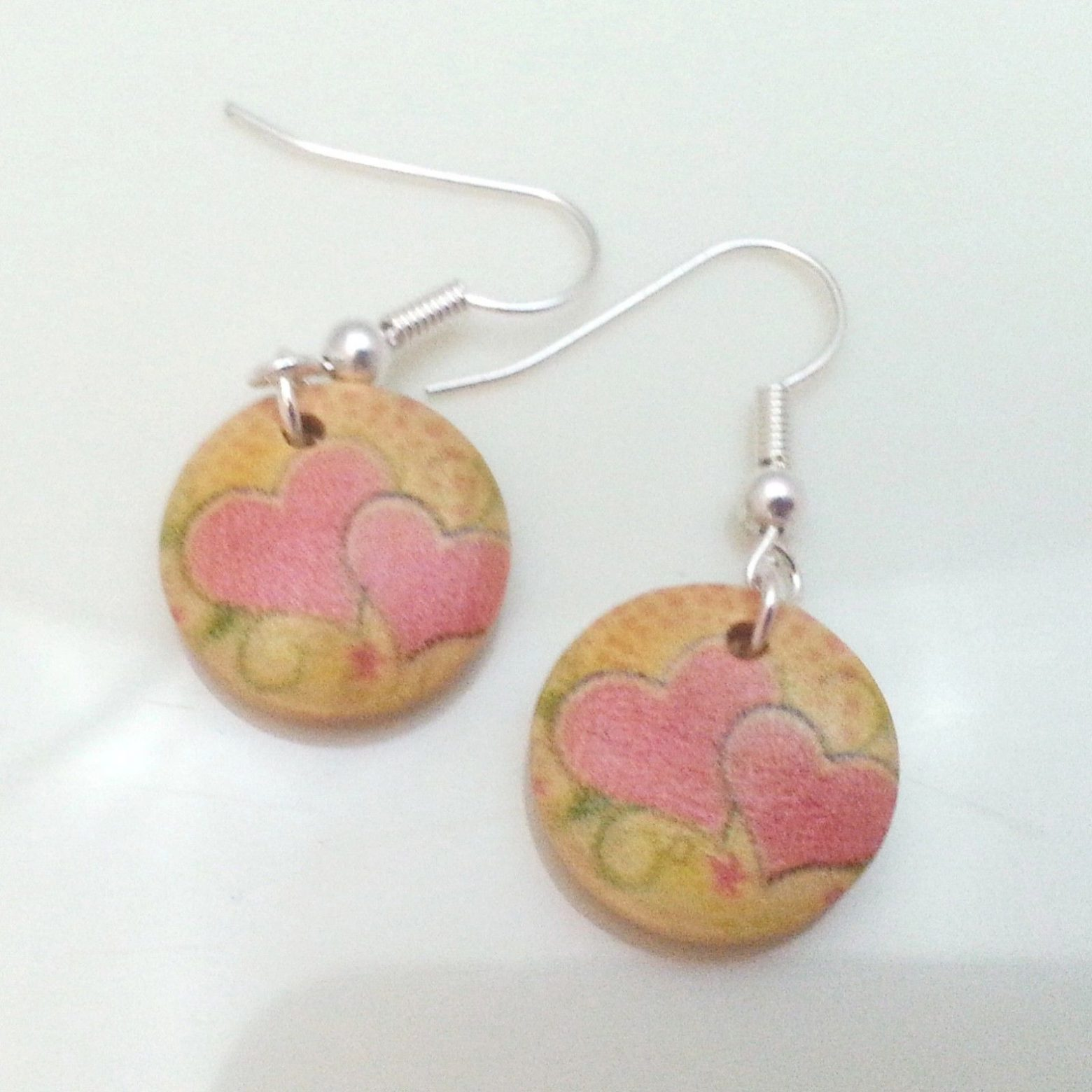 Light-Wooden-Jewellery-Earrings-Disc-Round-Wood-Pink-Hearts-Flowers-Womens-New-400739840145