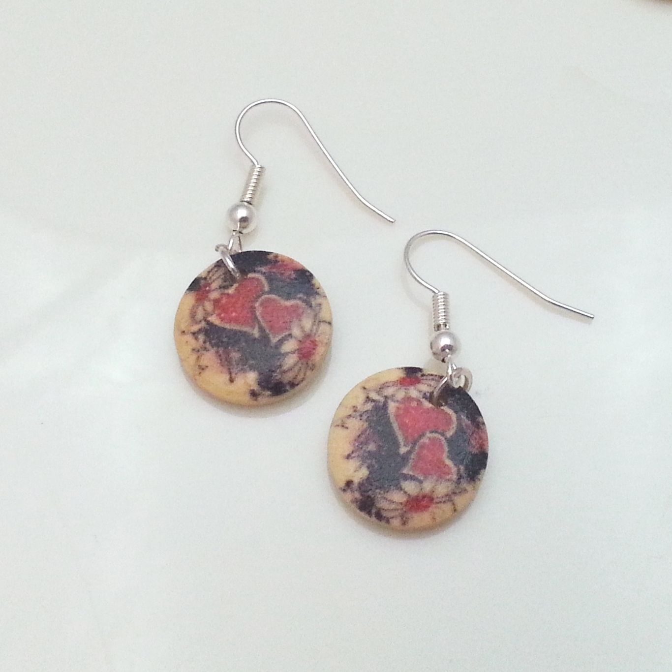 Light-Wooden-Jewellery-Earrings-Disc-Round-Wood-Red-Black-Hearts-Flowers-New-400739824173